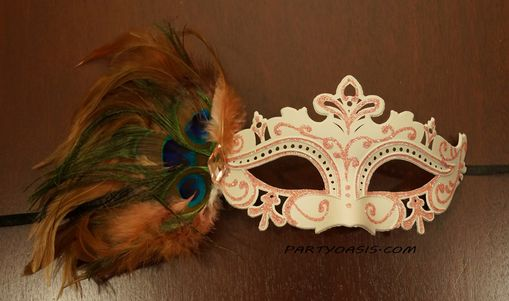 Tiffany Masquerade Eye Mask Lite Pink With Feathers
