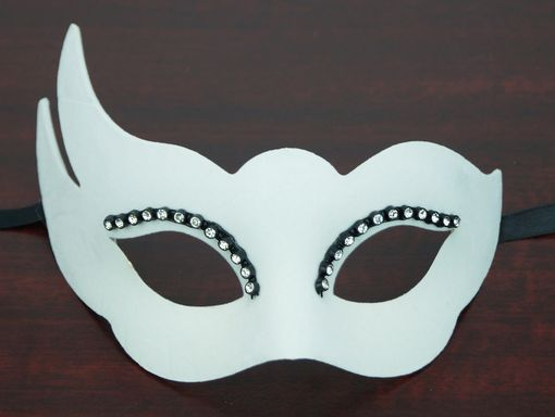 Velvet Masquerade Eye Mask White