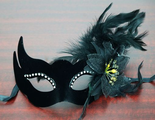 Velvet Venetian Eye Mask Black