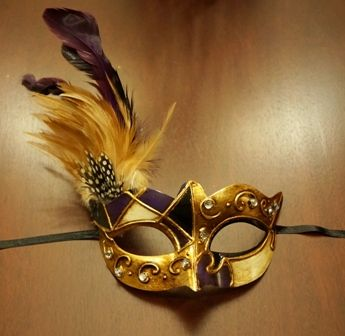 Venetian Masquerade Eye Mask Purple/Black With Feathers