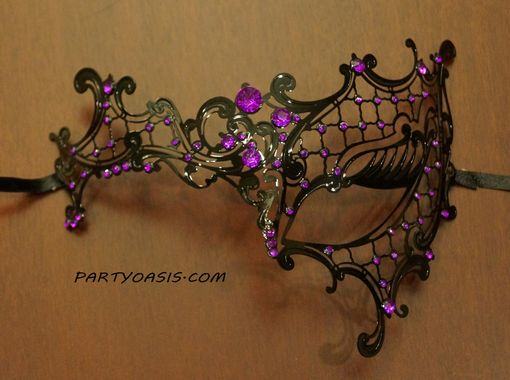 Venetian Laser Cut Masquerade Eye Mask Purple