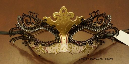 Venetian Luxury Masquerade Mask White Gold