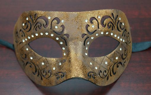 Yolanda Leather Mask