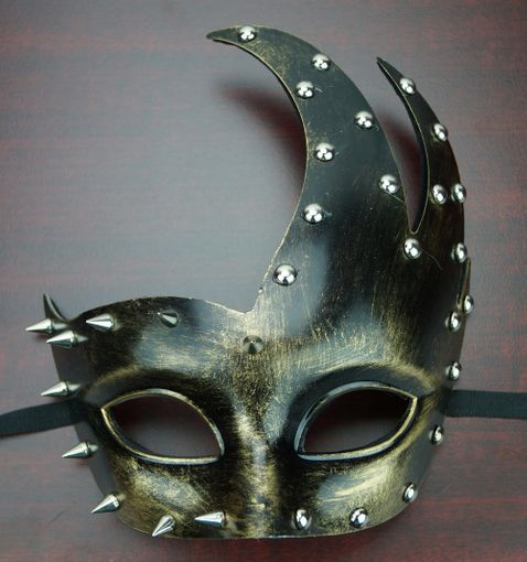 Zavela Bronze Spike Mask
