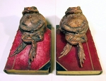 Pair cast TOAD bookends