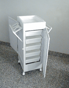 Pibbs: Roll-Away with Doors & Holders-Black/White (Art-99)
