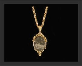 Small Allende Jewelry 14k Gold Pendant Necklace
