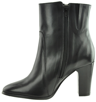Ryan Women's Extra Wide Fit Leather