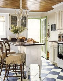 Color Overhead|Chandeliers Add Spice On Top