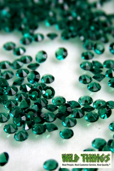 Diamond Confetti - 2000 pcs - 1 Carat (6.5mm) - Emerald Green Acrylic Beads
