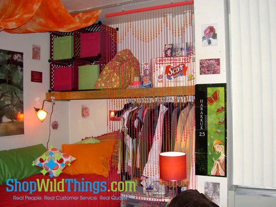 Dorm Room Decor - Using Beaded Curtains and Chandeliers in your Dorm Room