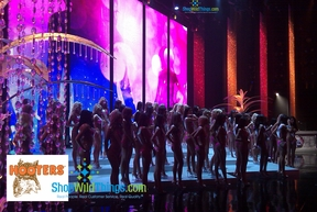 Hooters Swimsuit Pageant 2010