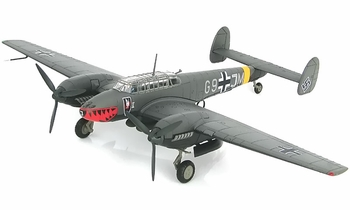Bf 110E-2 Model, Luftwaffe, 4./N.JG 1, 1942 - Hobby Master HA1813 - click to enlarge