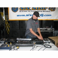 DJ BRAYKS IN ACTION