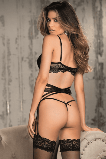 Gorgeous Lace Strappy Garter Belt