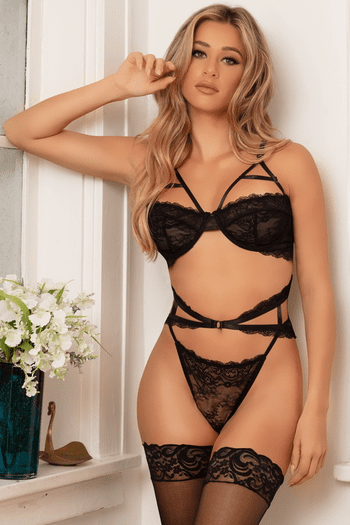 Ila's Black Strappy Lace Bra Set