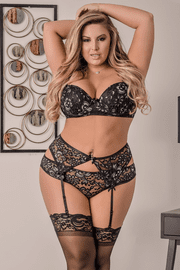 Plus Size Black Lace Gartered Bra Set