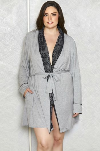 Plus Size Lace Collar Robe