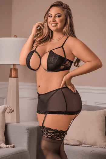 Plus Size Naughty Nights Bra Set