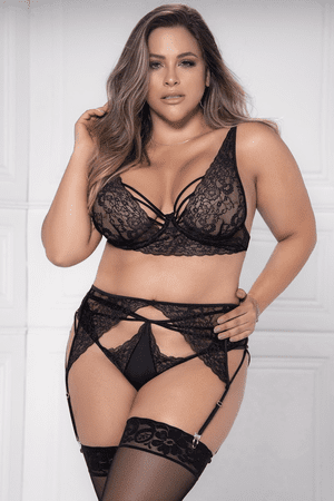 Plus Size Strappy Lace Bra, Garterbelt & Panty Set