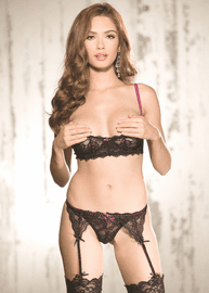Striking Beauty Lace Garterbelt