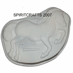 "HORSE OR UNICORN PLASTIC CAKE MOLD (8"" x 13"")"