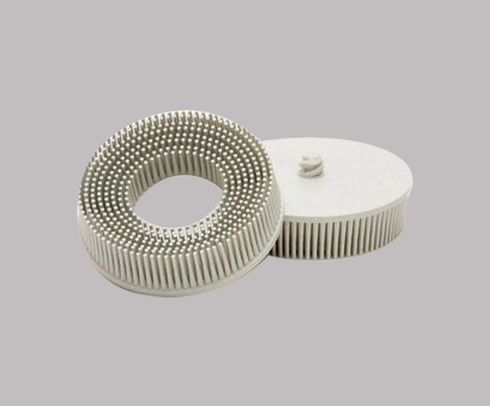 "3M� 048011-18737 Scotch-Brite� Roloc� RD-ZB White 3"" X 5/8"" 120 Grit Tapered Grade Bristle Disc - 10 Discs/Case"