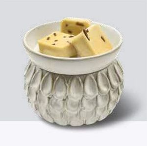 Ivory Petals Wax Melter with Dish