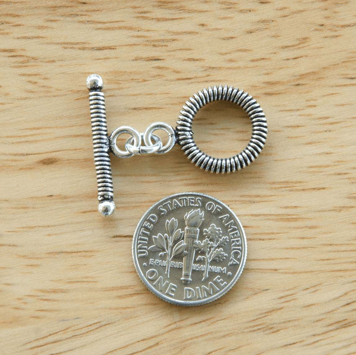 Fancy Detail Toggle - 14mm Circle w/ 22mm Bar - 5 Clasps - .999 Silver Over Copper
