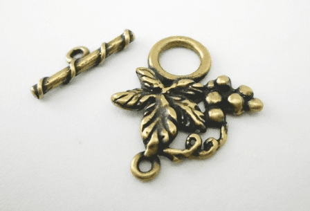 Grape Wine Toggle - 23x26mm - 1 Clasp - Brass<br>J87ABR