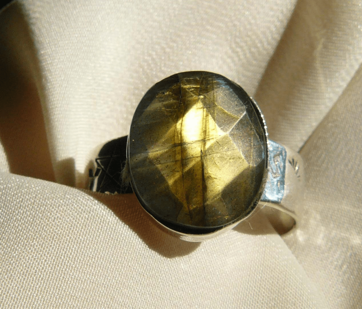 Labradorite ring Golden green Faceted Set in Sterling Silver size 12-1/2