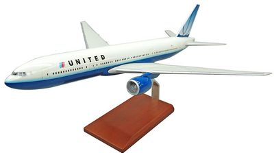 United B-777 Model Airplane - 1/200 Scale