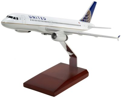 United Airbus A320 Model