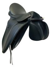 PRICE REDUCED! 17 Inch Used Wintec Black Dressage Saddle 250 *Free Shipping*