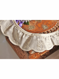 """1-1/4"""" Ivory Cream Teddy Bear Embroidered Vintage Ruffled Lace Trim"""