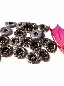 """2 Hole Vintage Flower Embossed Metal Buttons 7/8"""" inch (8 pcs)"""