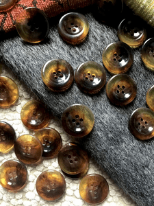 "4 Hole 15/16"" (23mm) 36L Dark Amber Italian Vintage Clear Buttons #541"