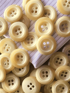 "4 Hole Beige Italian Button 1-1/8"" (28mm) 44L Vintage Sewing Buttons #811"