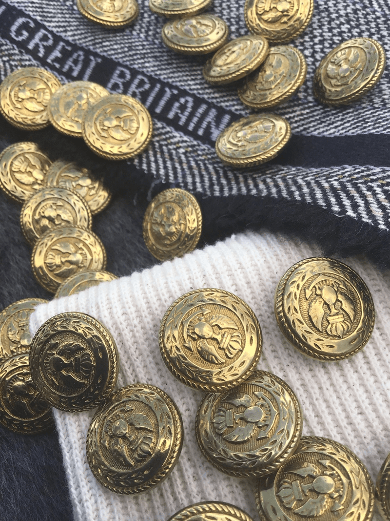 "Antique Gold King Crown Eagle Crest Buttons 7/8"" (21mm) 34L Metallic Buttons #1060"