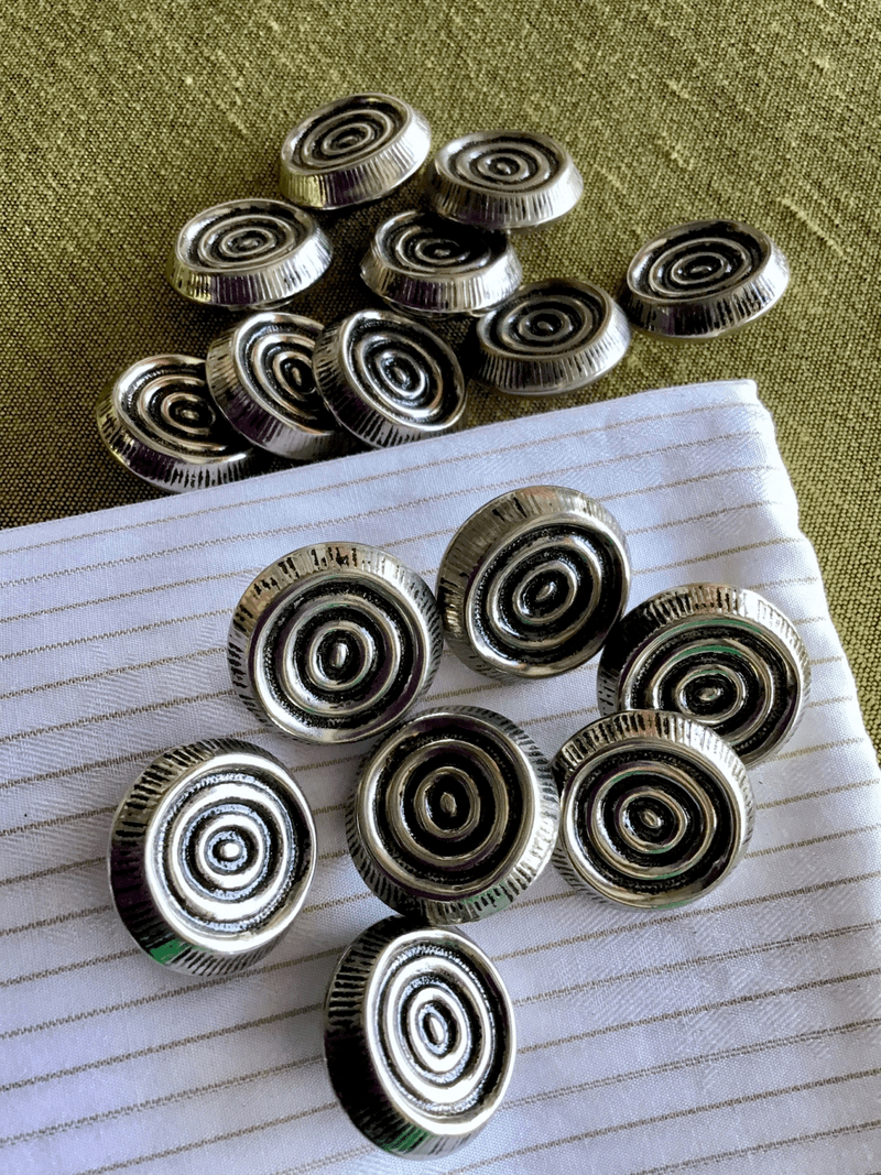 """Antique Silver Metal Embossed Swirls 1"""" (25mm) 40L Vintage Shank Buttons #892"""