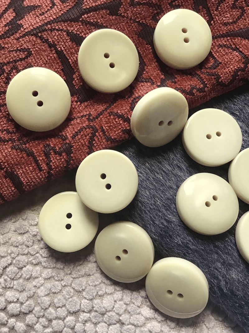 "Beige Ivory Italian 2 Hole 1-3/16"" (29mm) 48L Vintage Large Coat Buttons #524"