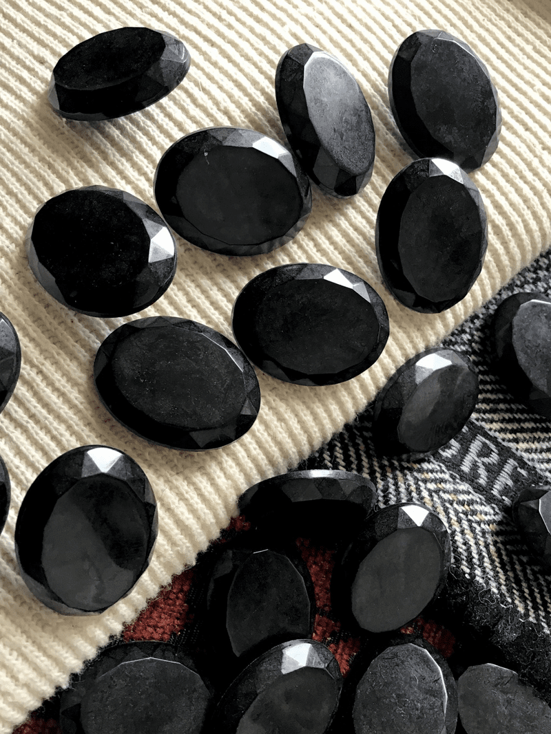 "Big Oval Black Shank Button 1-1/8"" x 7/8"" (28mm x 21mm) Sewing Buttons #689"