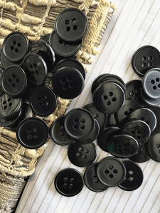 "Black 4 Hole 11/16"" (18mm) 28L Vintage Buttons #1053"
