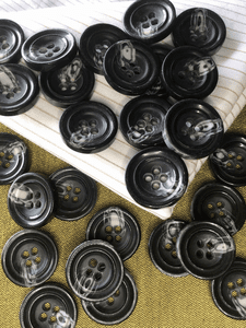 """Black Textured Grey Italian 4 Hole 15/16"""" (23mm) 36L Vintage Buttons #965"""