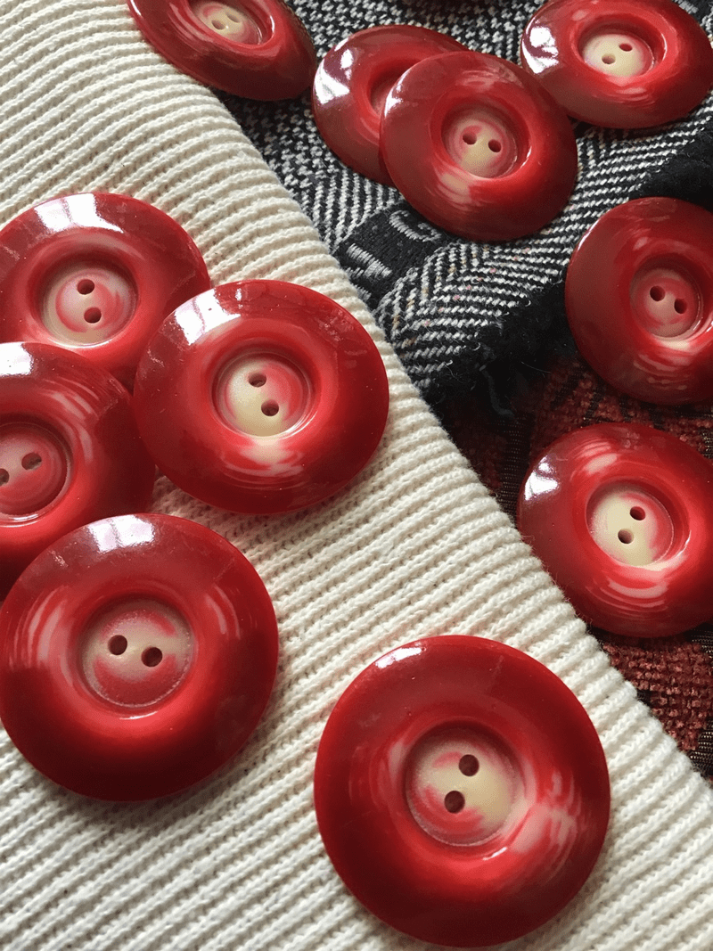 """Cherry Red Cream Cheese 2 Hole 1-3/8"""" (35mm) 54L Vintage Italian Buttons #583"""