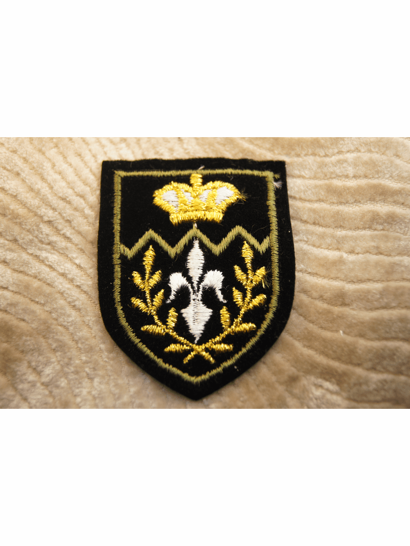 Gold Metallic Crown Black and White Iron On Patch Applique # appliques-1029