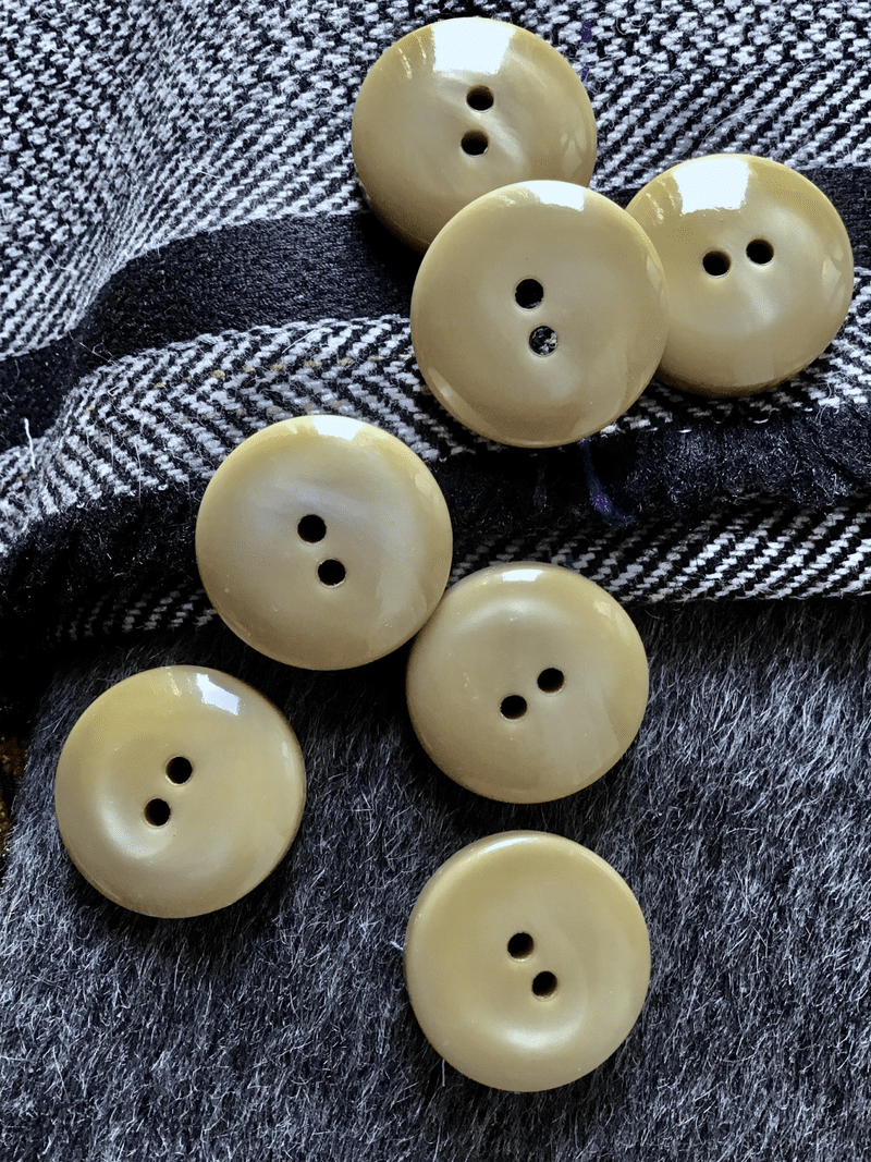 "Italian Natural Linen Beige 3/8"" Thick 2 Hole Button 1"" (25mm) 40L Vintage Buttons #665"