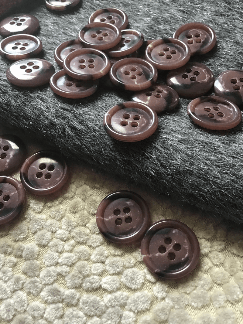"Italian Sienna Brown Small 4 Hole 3/4"" (19mm) 30L Vintage Buttons #522"