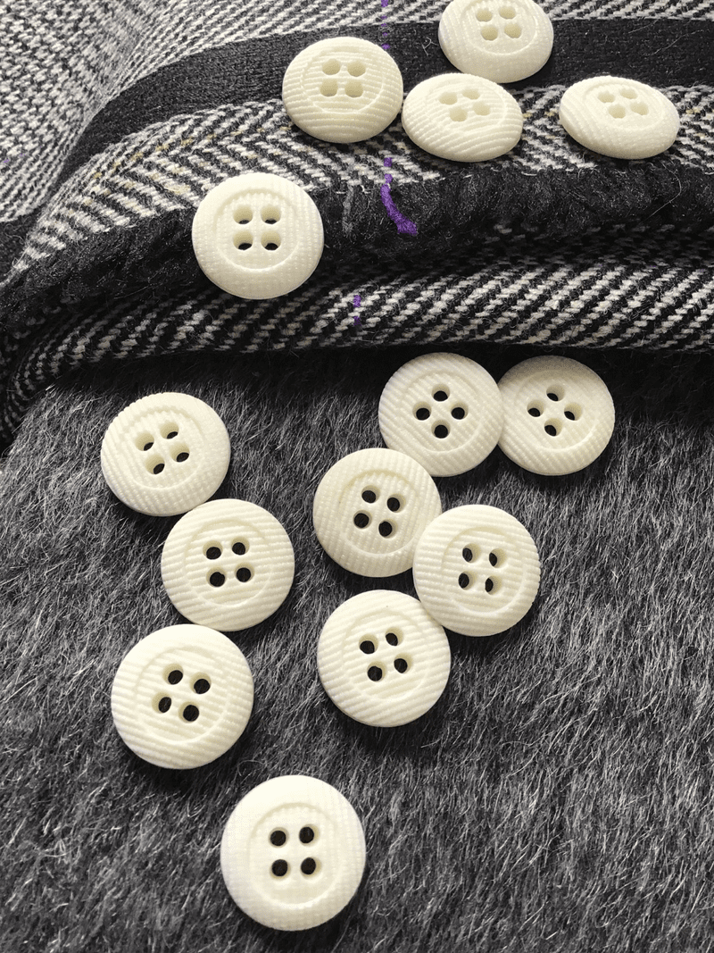 "Italian Small 4 Hole 5/8"" (15mm) 24L Vintage White Buttons #612"
