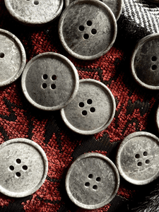 """Italian Stone Grey 4 Hole Button 1"""" (25mm) 40L Vintage Buttons #669"""